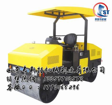 大压实力震惊产业内外 座驾式3吨压路机