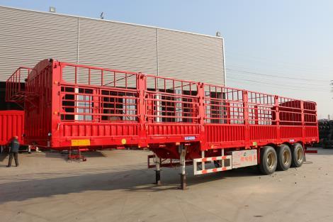 5.9吨 鹅颈 分体花栏 轻型半挂车