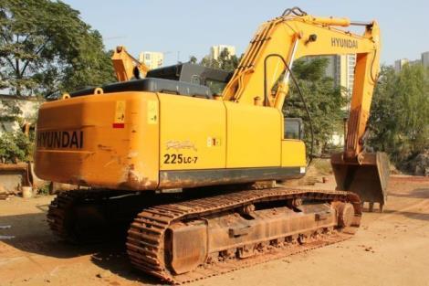 现代二手225LC-7挖掘机